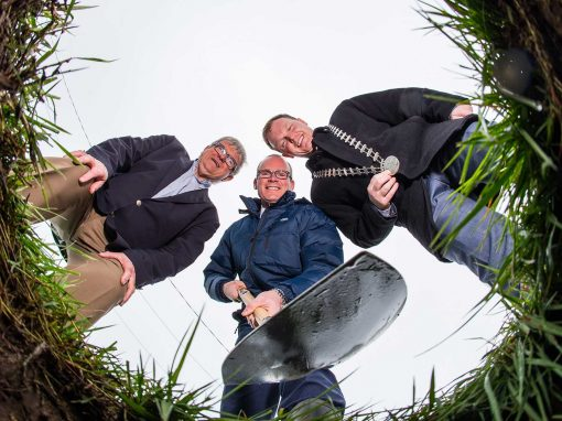 HOUSING MINISTER SIMON COVENEY TURNS THE SOD AT THE JANEVILLE DEVELOPMENT OF 800 HOMES IN CARRIGALINE